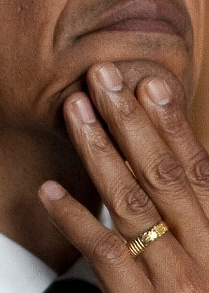 OBAMA-RING-wh-photo-THERE-IS-NO-GOD-EXCEPT-ALLAH-hand-closeup
